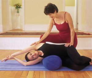 Study with Elise - Yoga for Scoliosis